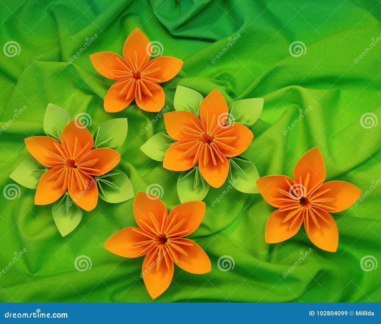 Fiori Arancioni.Fiori Arancioni Di Origami Immagine Stock Immagine Di Bello