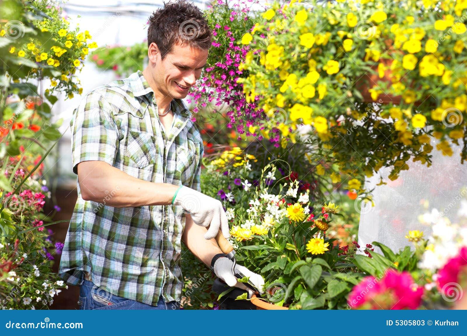 Download Fiorista immagine stock. Immagine di fiore, femmina, naughty - 5305803