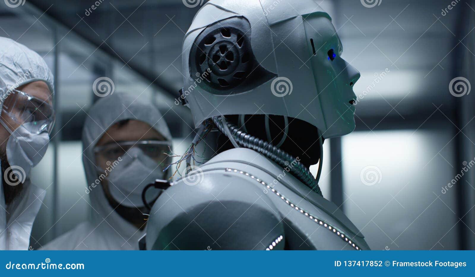 Fios da fixação do coordenador no controle do robô