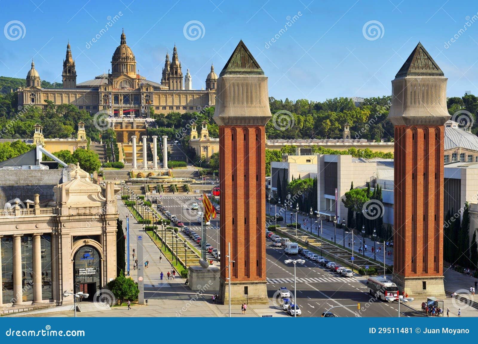 Fira en Palau Nacional in heuvel Montjuic, in Barcelona, Spanje
