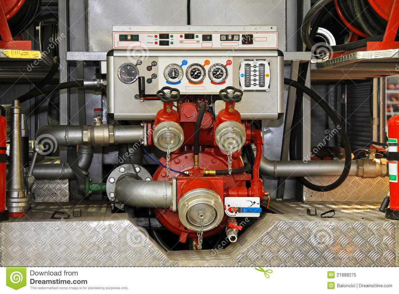 High Pressure Fire Truck : Fire engine water pumpo free image for user