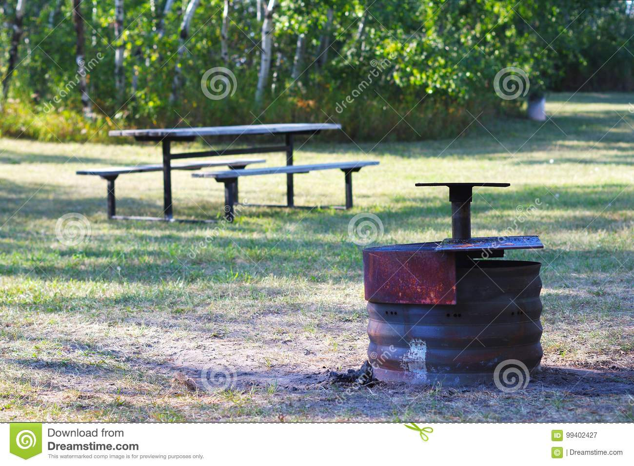 Fire Pit With Picnic Table Stock Image Image Of Empty - Fire picnic table