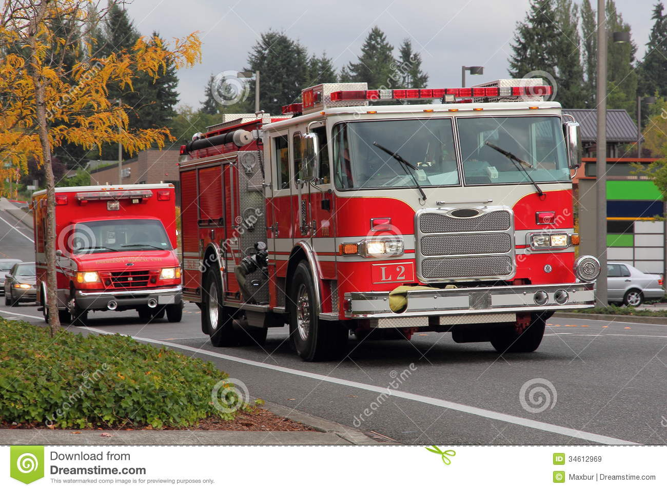 Fire Truck And Paramedics Stock Image Image Of Lights 34612969