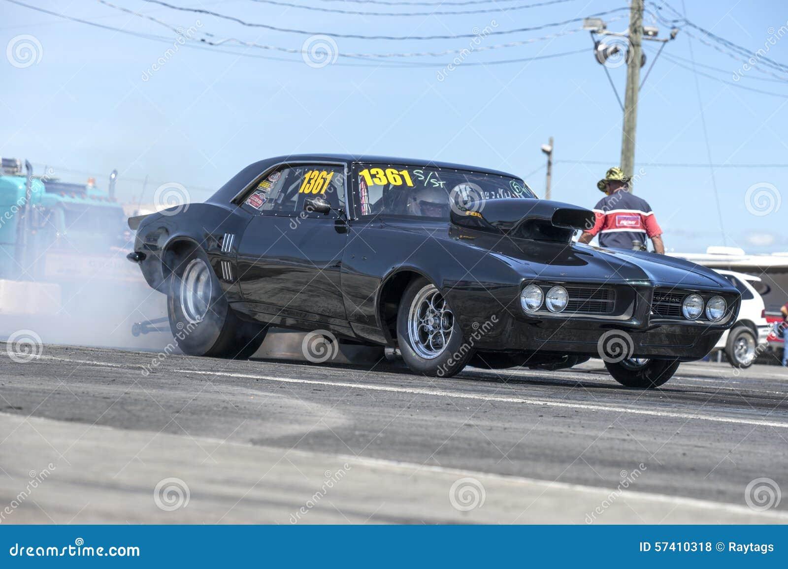 Drag racing editorial stock photo. Image of machine, mechanic - 57410318