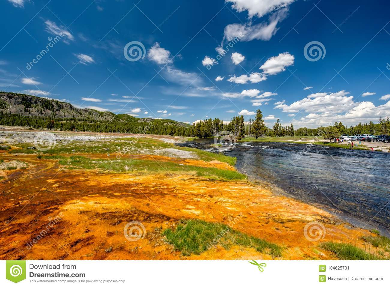 Download Fireholerivier, Het Nationale Park Van Yellowstone, Wyoming Stock Afbeelding - Afbeelding bestaande uit mening, vallei: 104625731