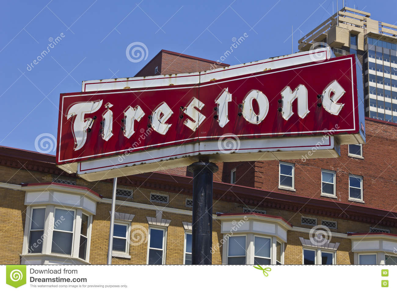 Firestone Complete Auto Care Location With Legacy Neon Sign I