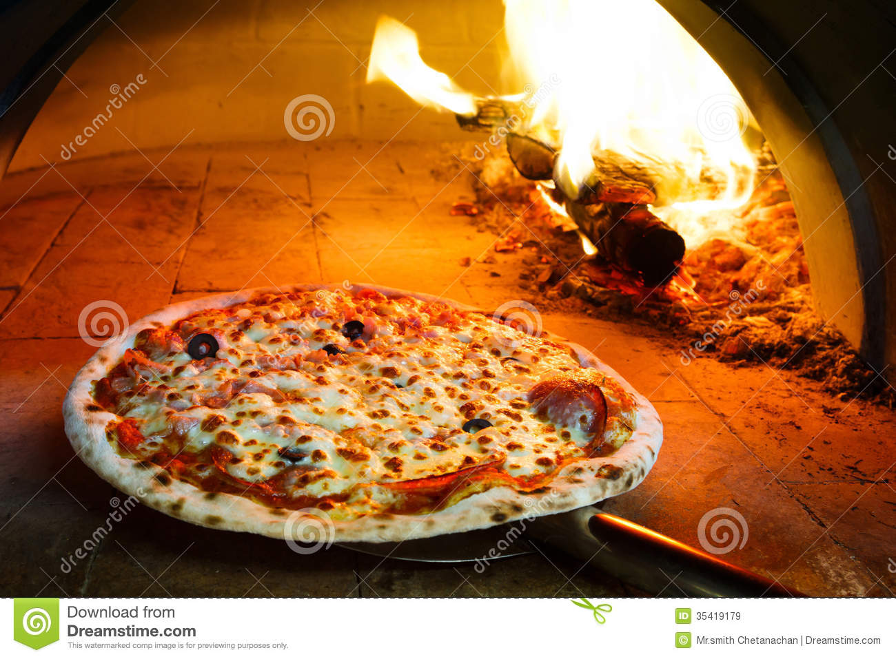 Firewood Oven Pizza Royalty Free Stock Images Image