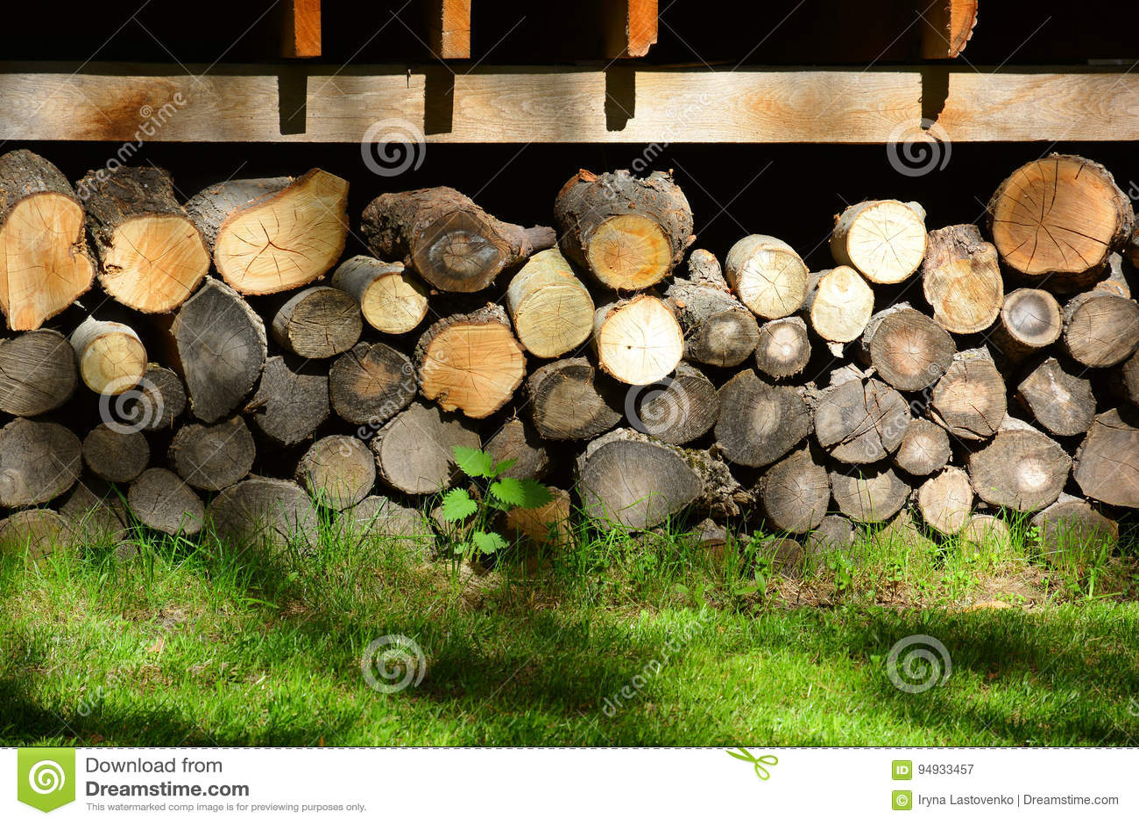 Firewood Stockez le bois de chauffage