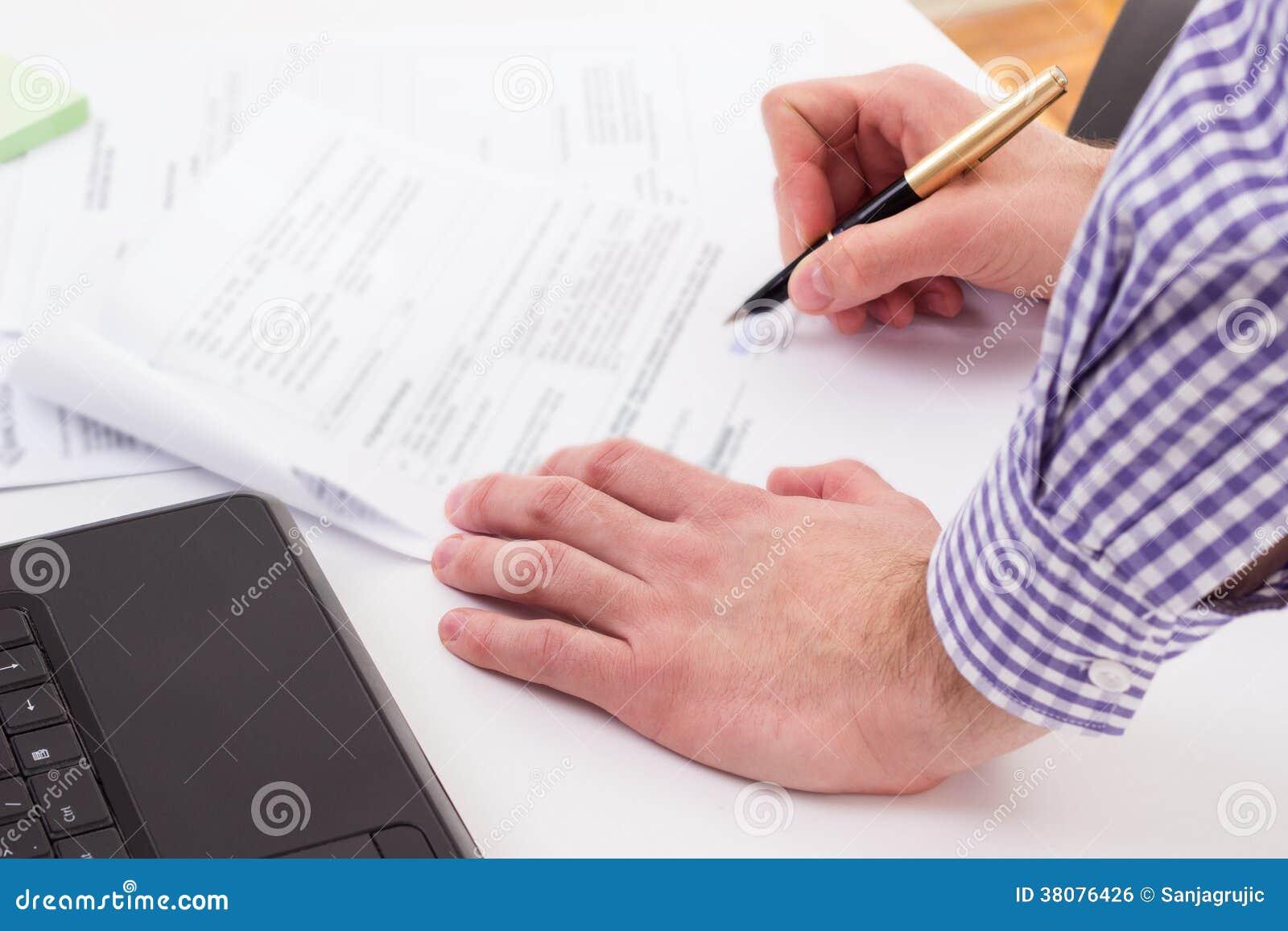 Firma de un contrato