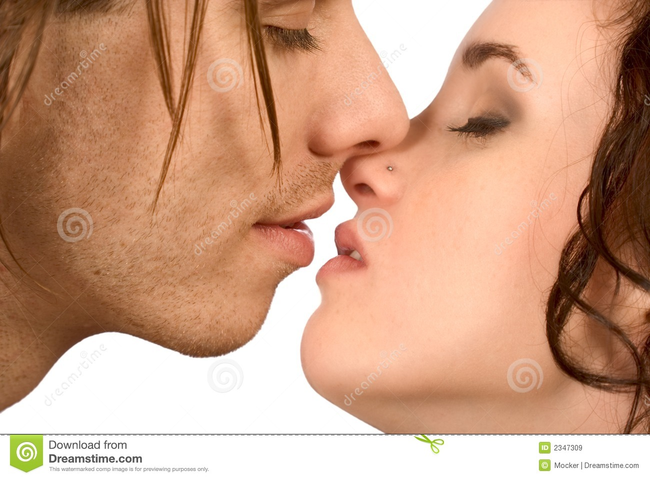 Kissing on the first date in Perth
