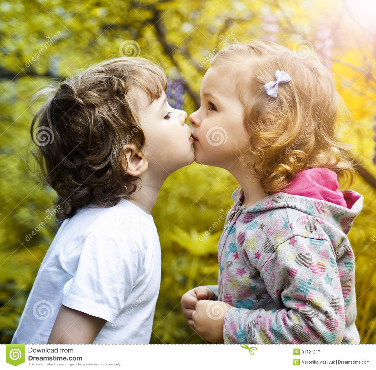 First Kiss Royalty Free Stock Photography - Image: 31721217