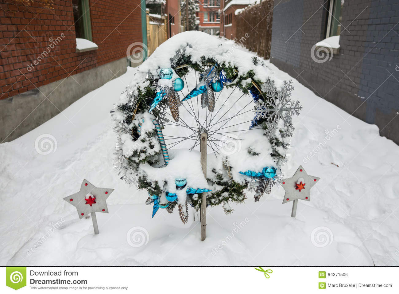 First Snow Storm Of The Season Hits Montreal, Canada. Stock Photo ...