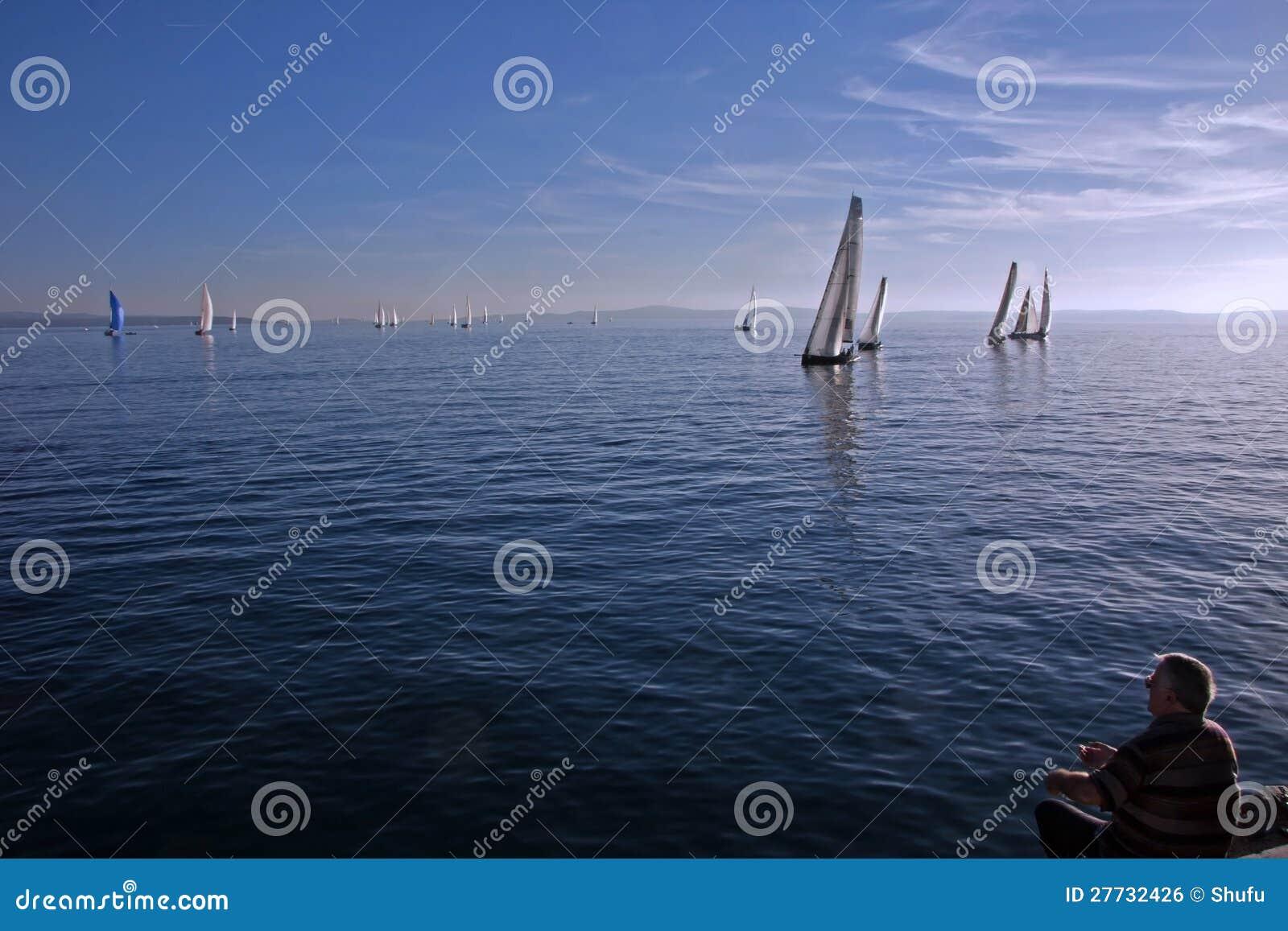 Fischer und Segelboote