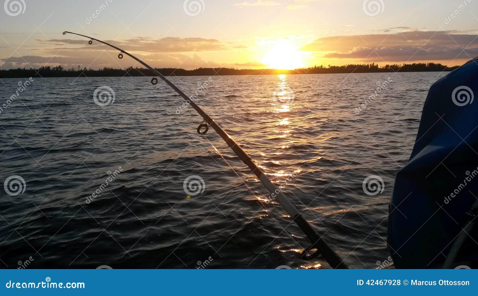 Fischerei im Sonnenuntergang