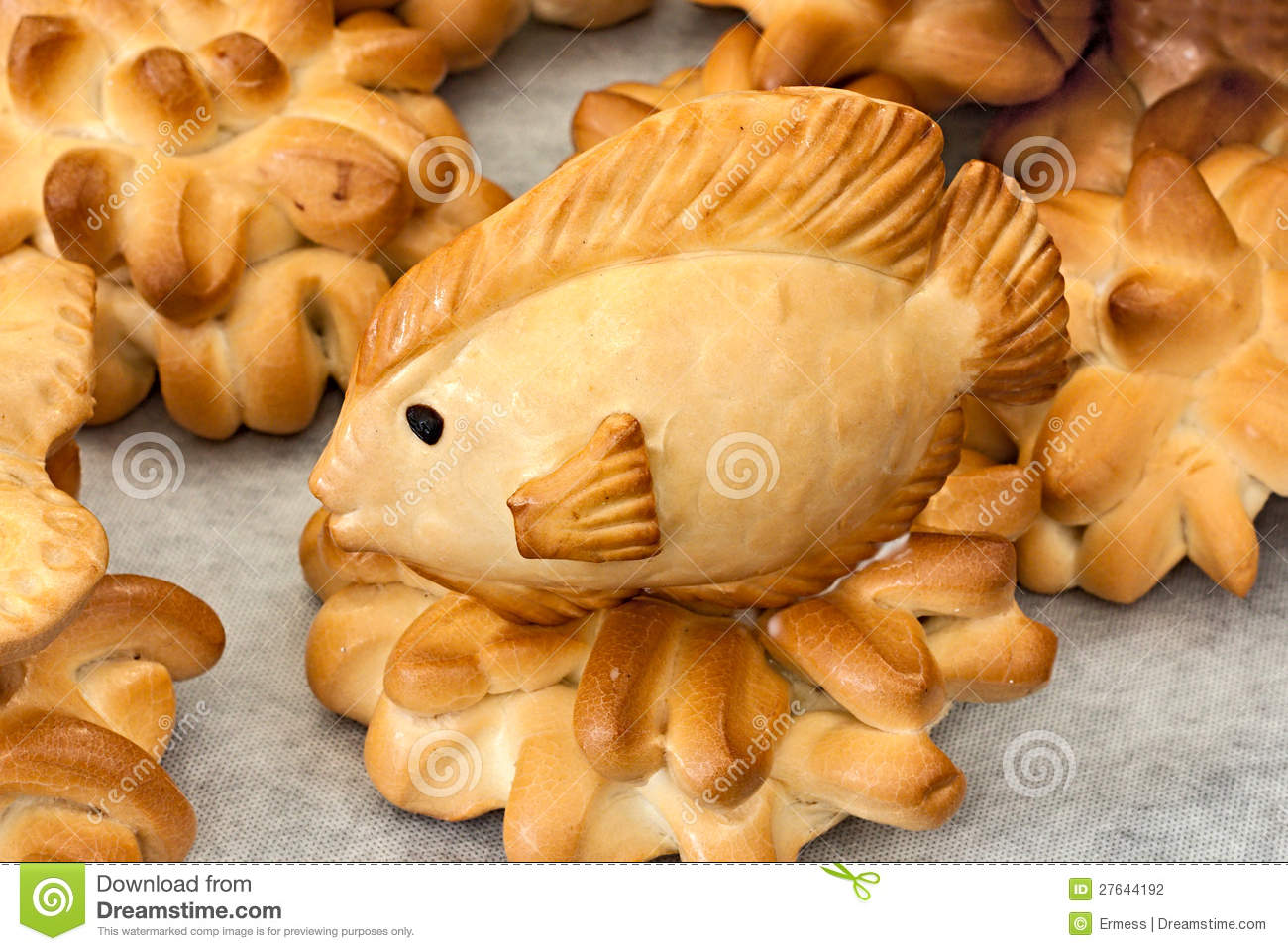 Fish of bread stock photography image 27644192 for Fish shaped bread