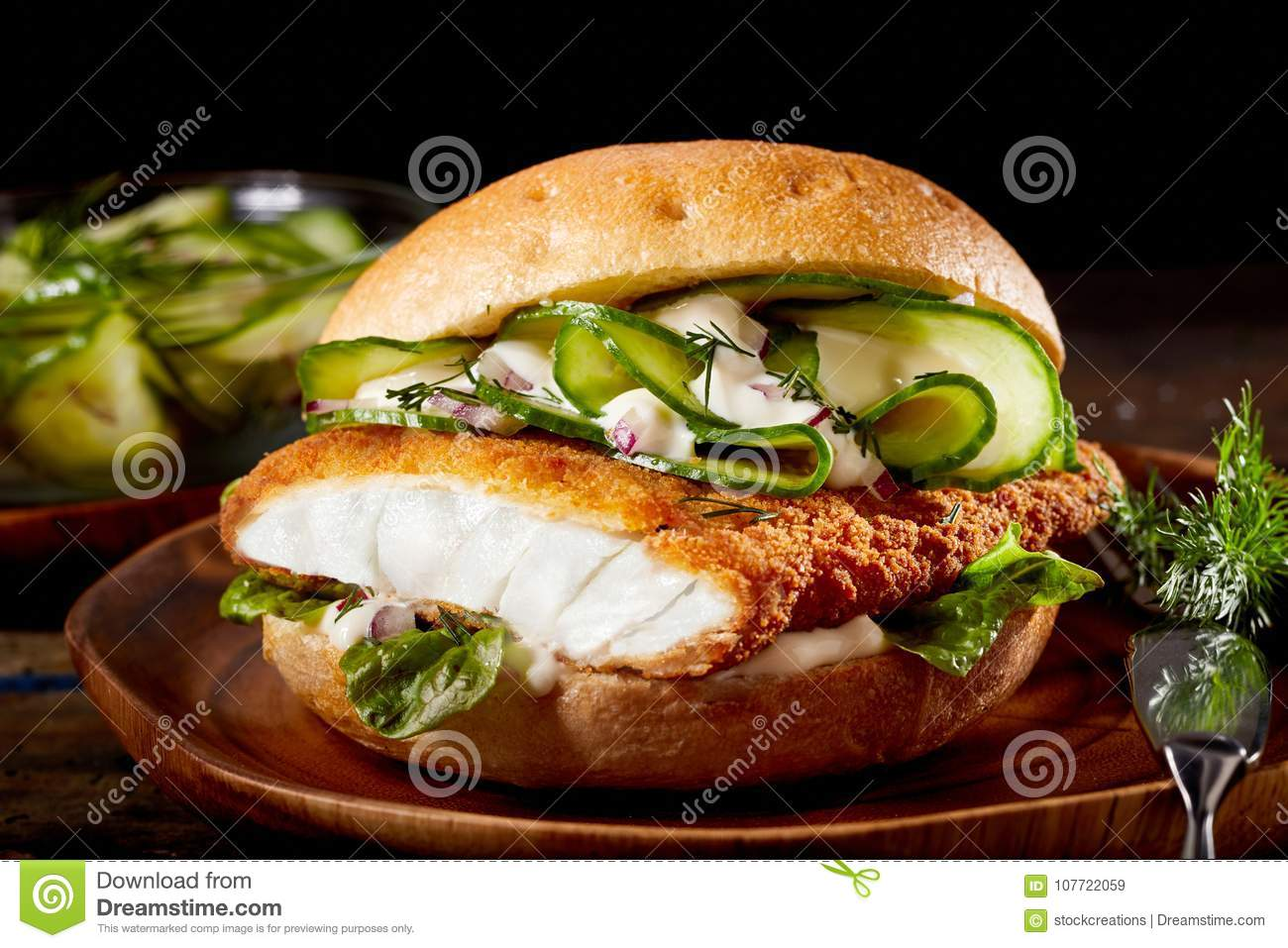 Fish burger with crumbed fillet of fish