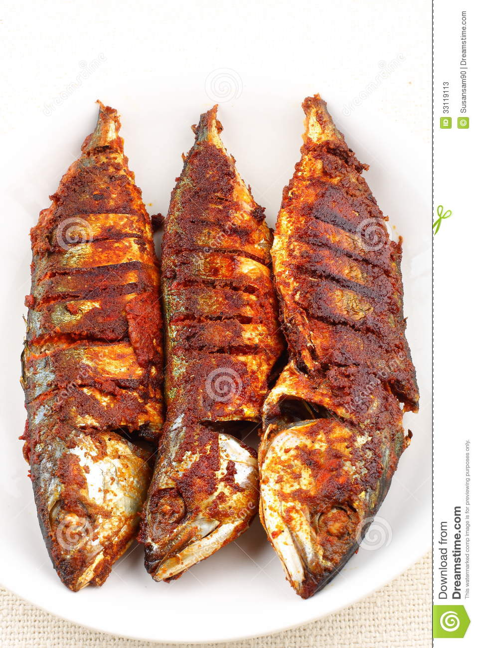 fish-fry-indian-style-fried-spices-33119113.jpg