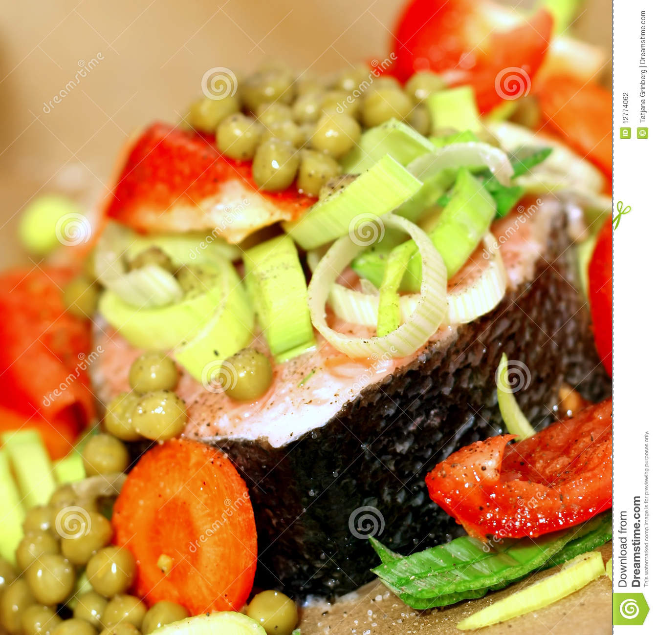 Fish with vegetables stock photography image 12774062 for Fish with vegetables