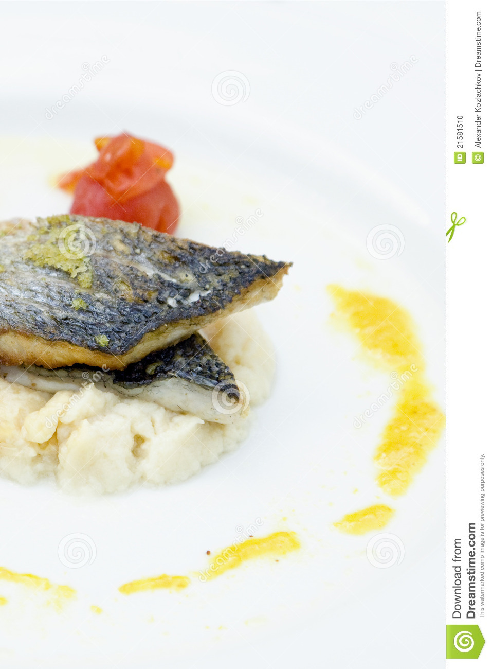 Fish with vegetables potatoes stock photo image 21581510 for Fish with vegetables