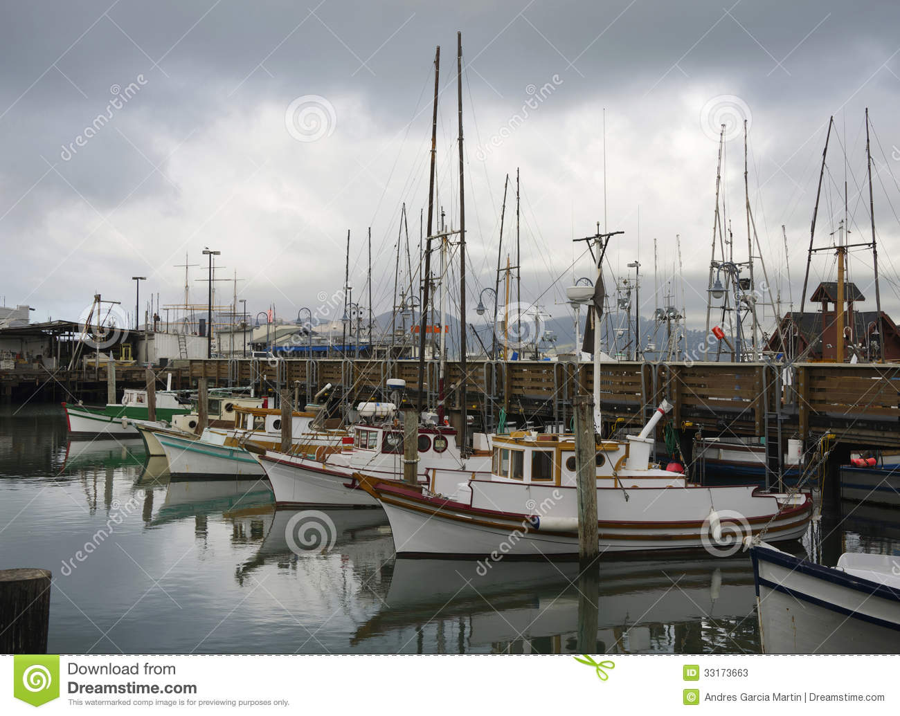 Fisherman 39 s wharf fishing boats stock photos image 33173663 for Fishing store san francisco