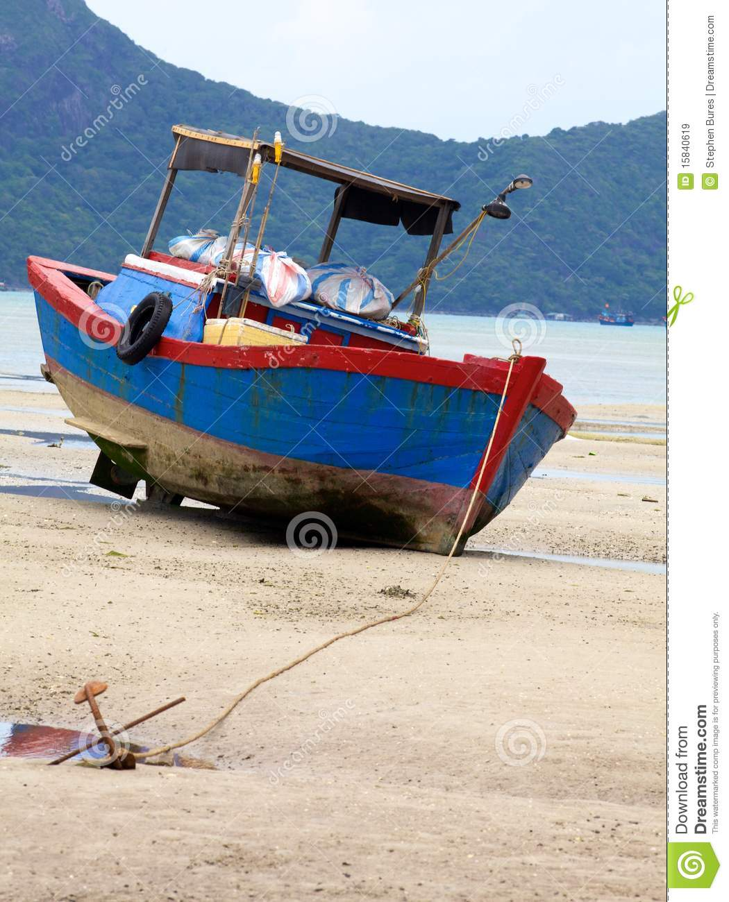 Fishing boat on beach royalty free stock images image for Free fishing boats