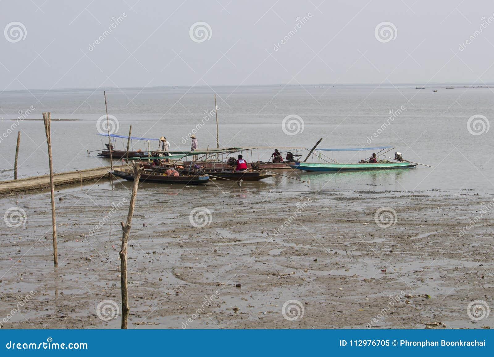 Fishing boat at Don Hoi Lam, Thailand