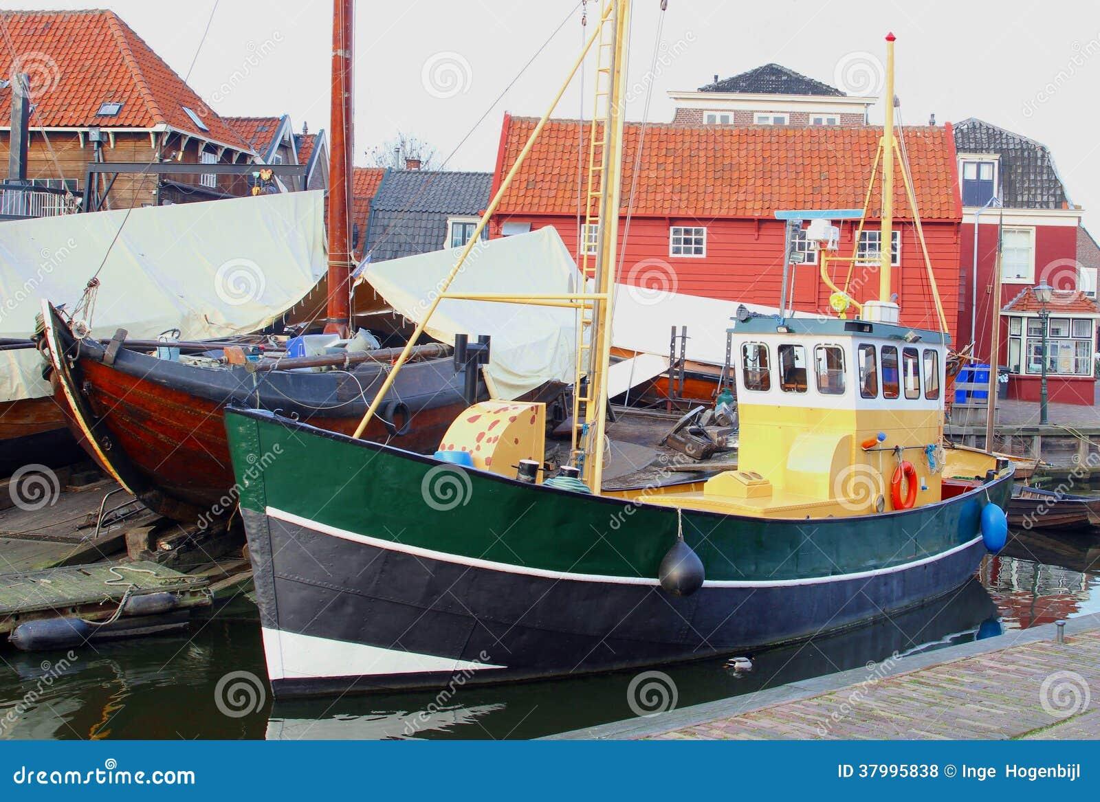 Fishing vessels in the harbor of fishing village Bunschoten Spakenburg ...