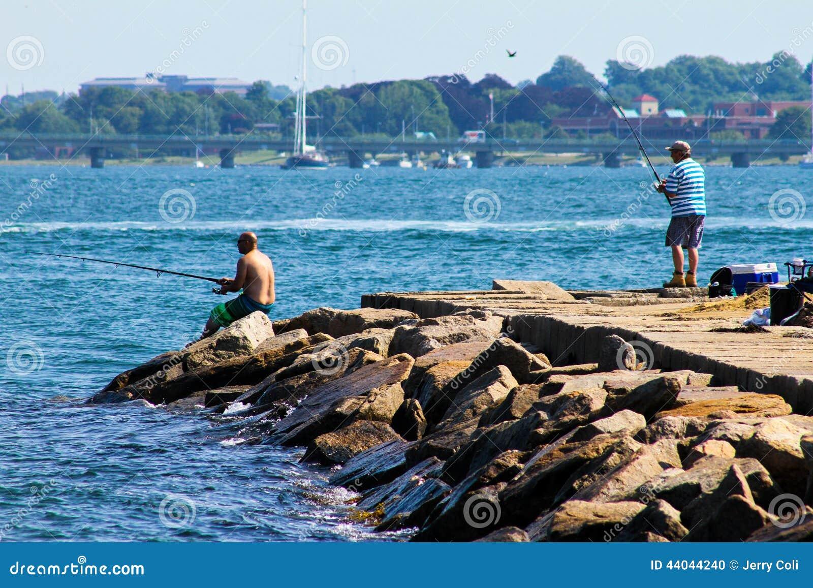 Fishing off the rocks at fort adams newport ri for Ri fishing regulations