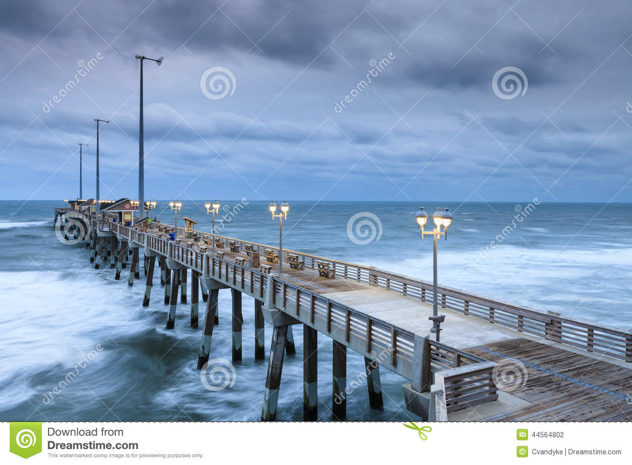 Fishing pier atlantic ocean nags head north carolina stock for Fishing outer banks nc