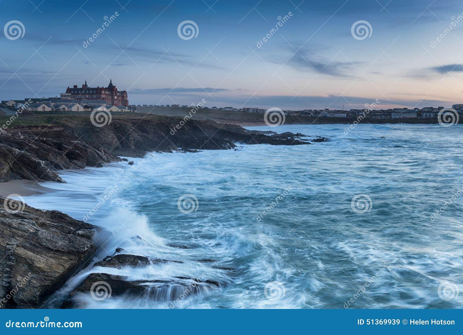 Fistral海滩的风雨如磐的海