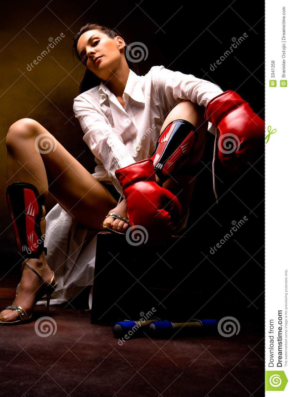 Fitness lady royalty free stock photos image 3341358 for Lady fitness