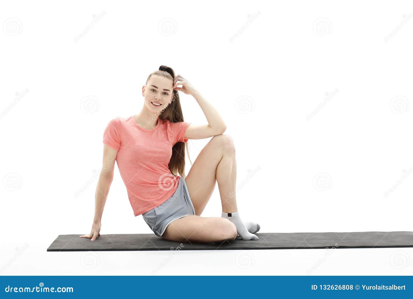 Twee Jonge Vrouwen Die Yoga Doen Bij Aard Fitness, Sport