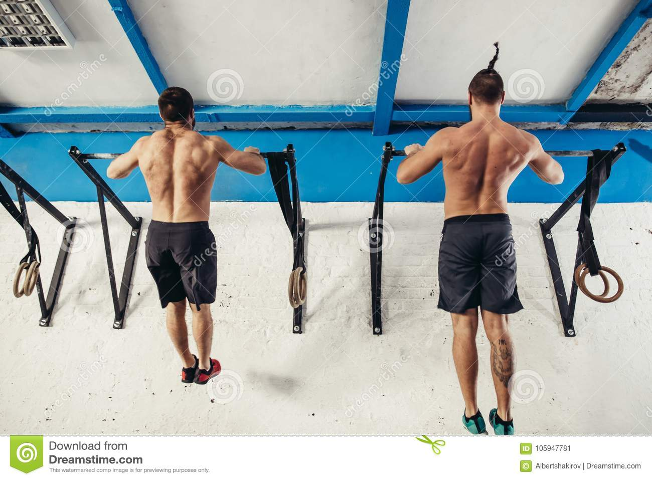 Two Fitness Toes To Bar Men Pull-ups Tree Bars Workout