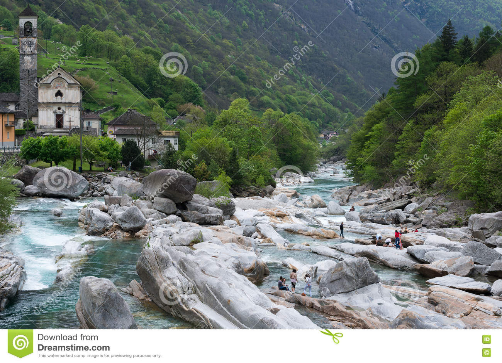 Fiume della montagna vicino alla citt di lavertezzo svizzera fotografia stock immagine 71756674 - Letto di un fiume ...