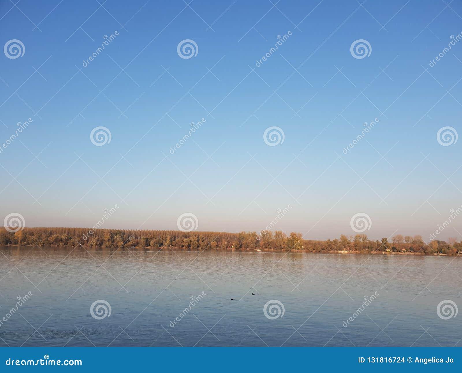 Fiume della Serbia Belgrado Zemun Donau