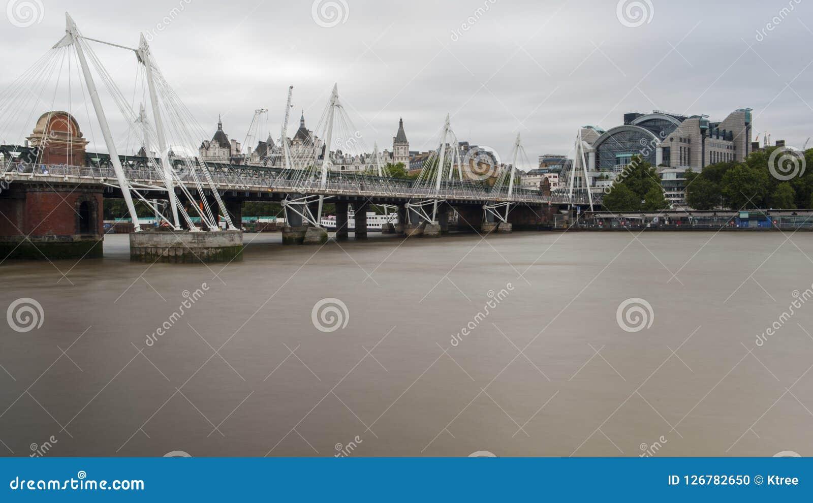 Fiume Di Tamigi Londra Fotografia Stock Immagine Di Londra 126782650