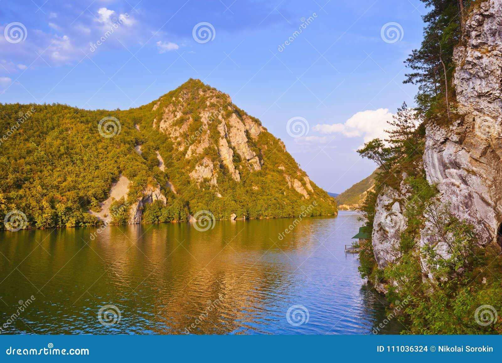 Fiume Drina - parco naturale nazionale in Serbia