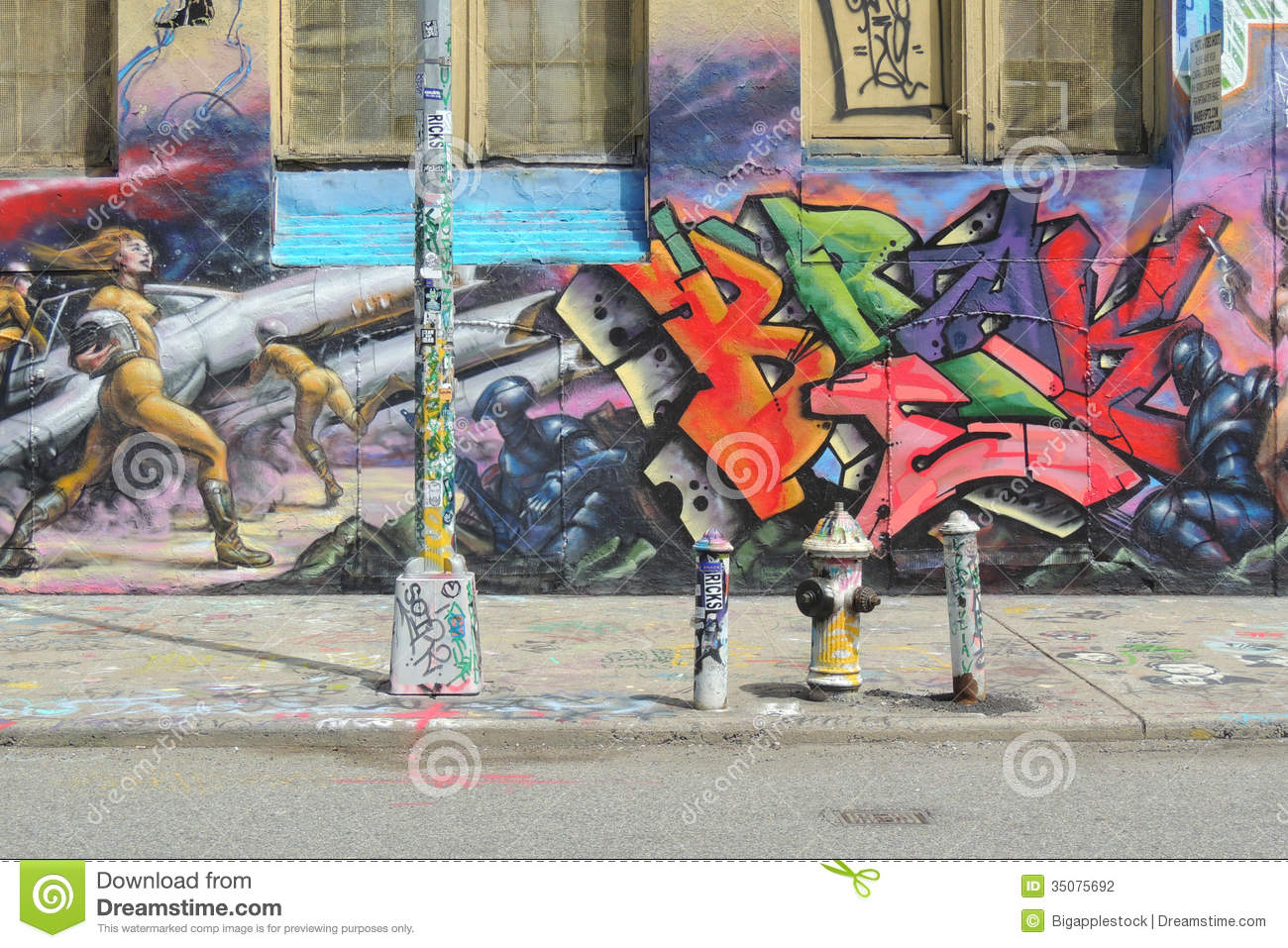 Graffiti wall in queens ny - 5 Pointz In New York City Editorial Photography