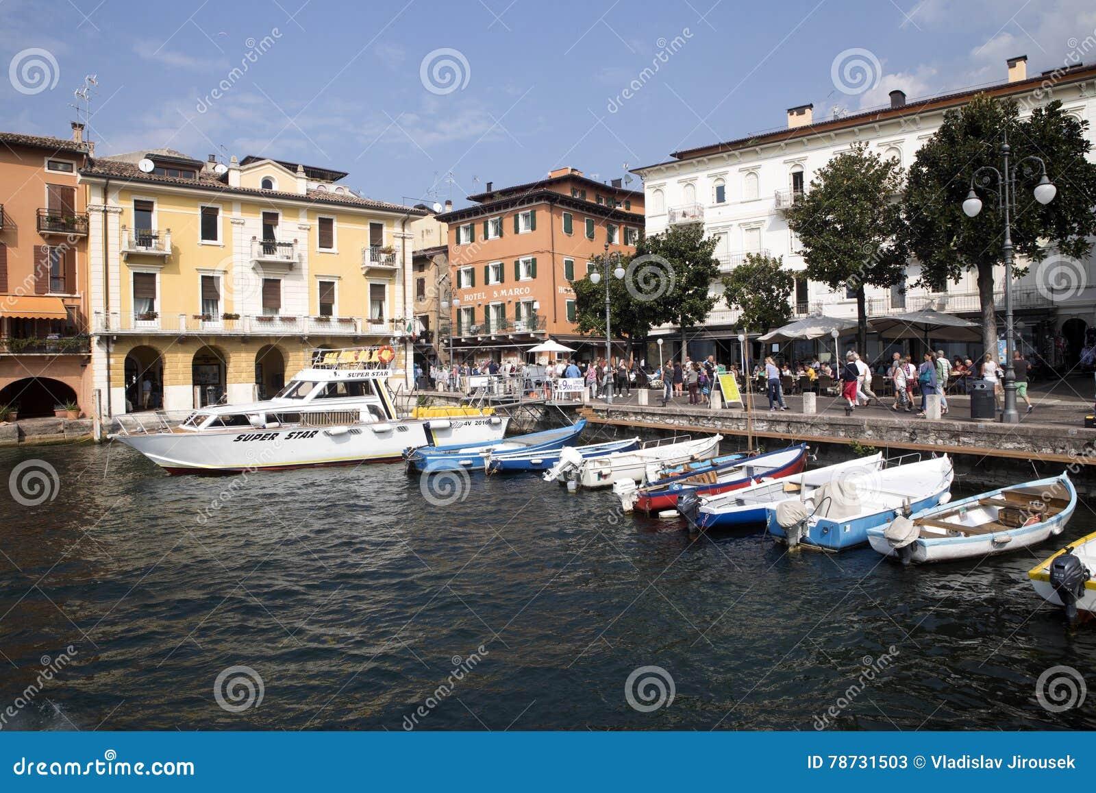 Fjärd sjö Garda, Malcesine, Italien