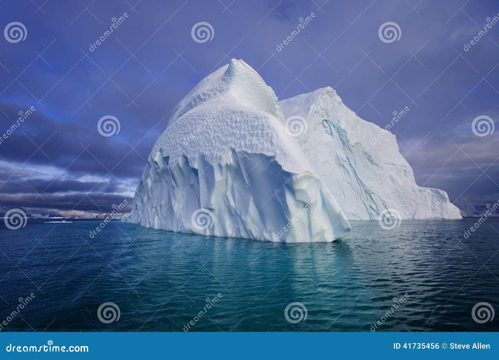 Fjord Franz Greenland góra lodowa Joseph