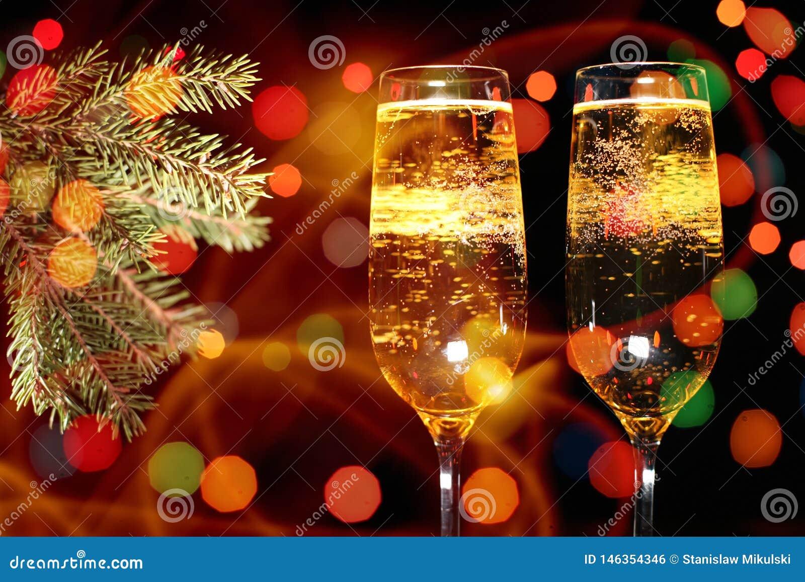 Fl?ten des Champagners in der Feiertagseinstellung