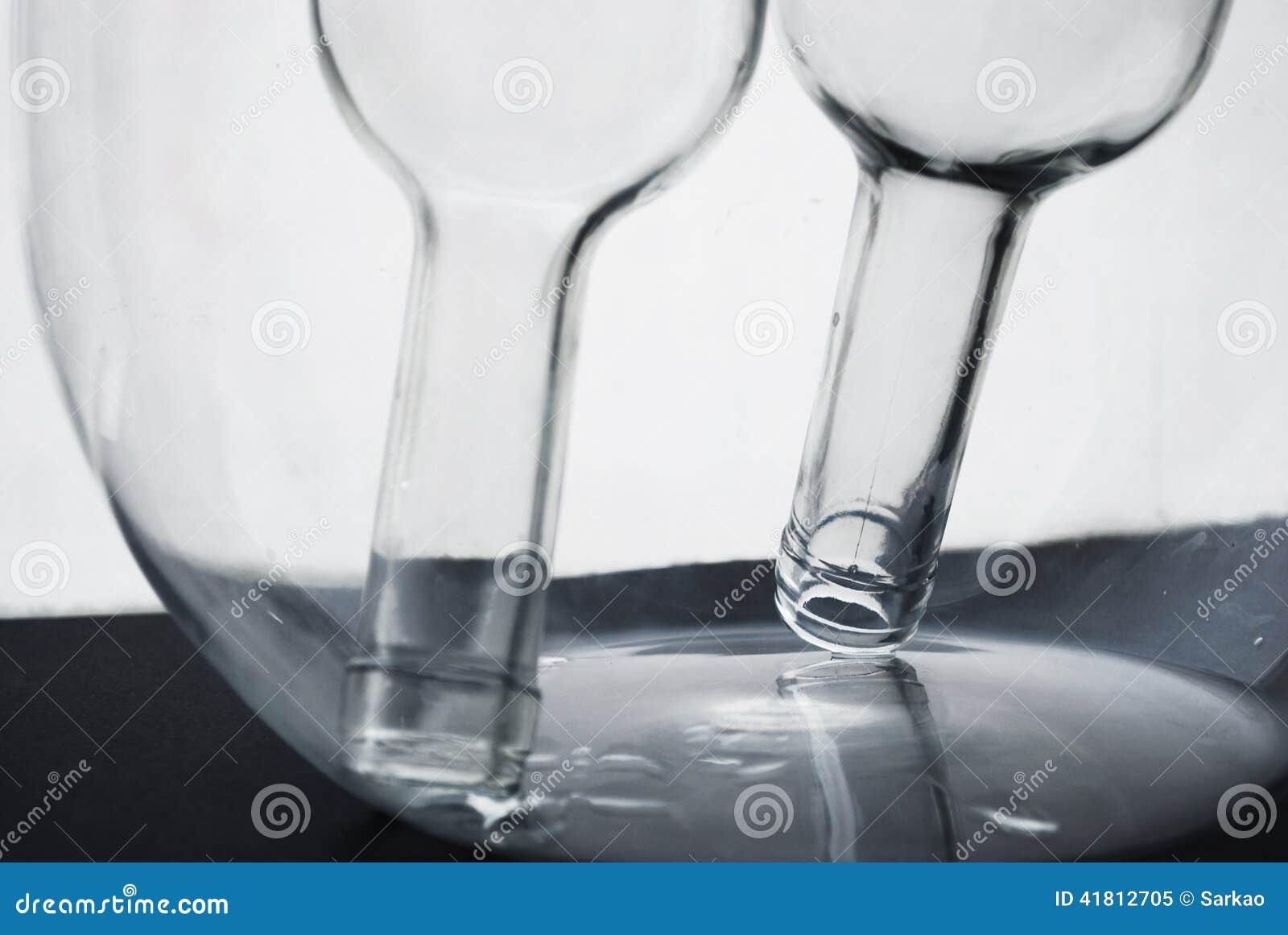 Flacher DOF, Fokus auf zentralen Flaschen
