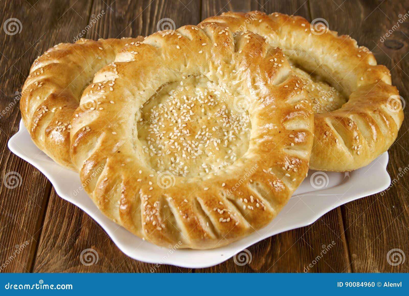 Flacher Kuchen Des Traditionellen Nationalen Usbeks Stockfoto Bild