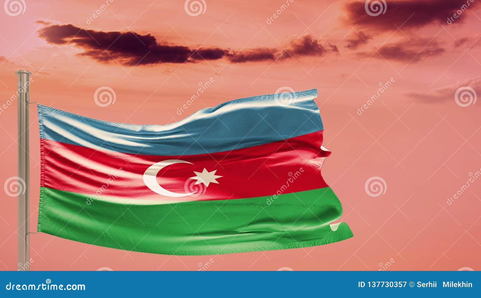 Flaga Azerbejdżan na chmurnym niebie patriotyzm