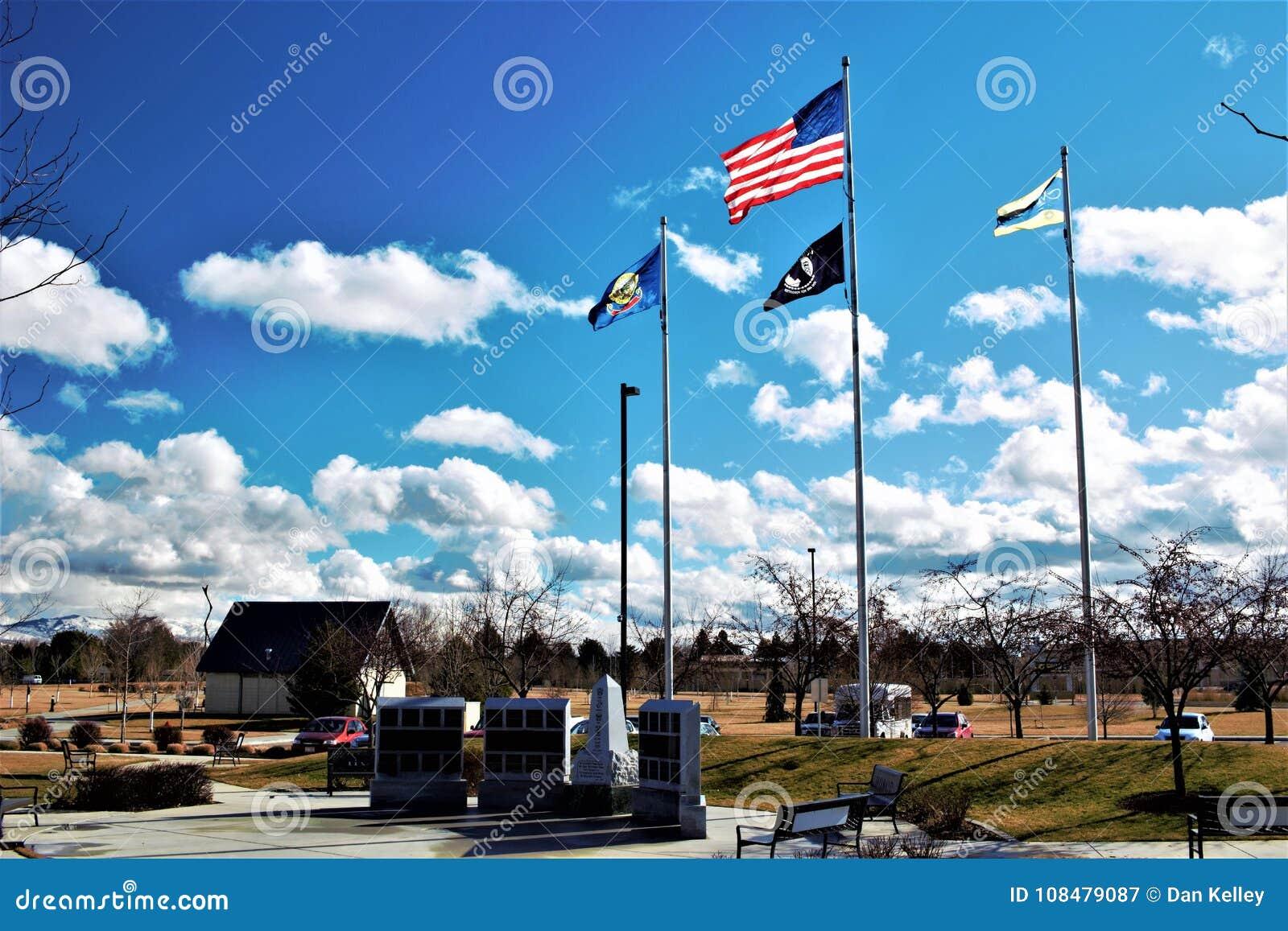 Flaggen, die am Felsen der Ehre fliegen