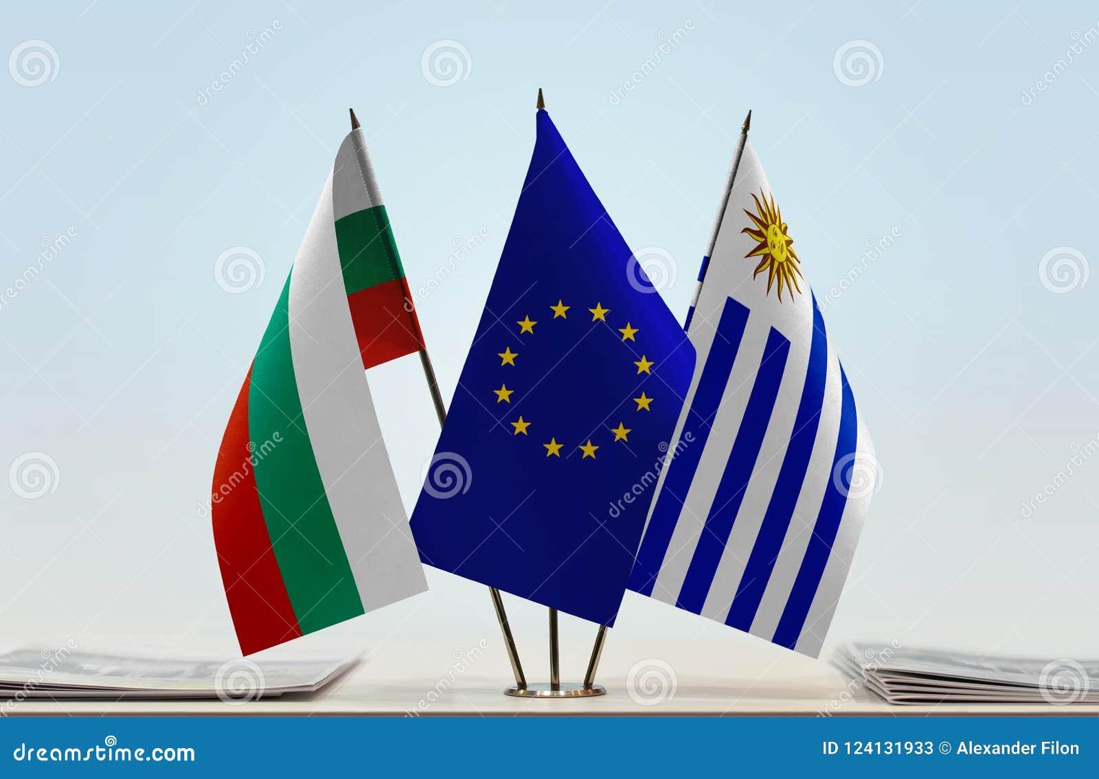 Flaggor av BulgarienEU och Uruguay