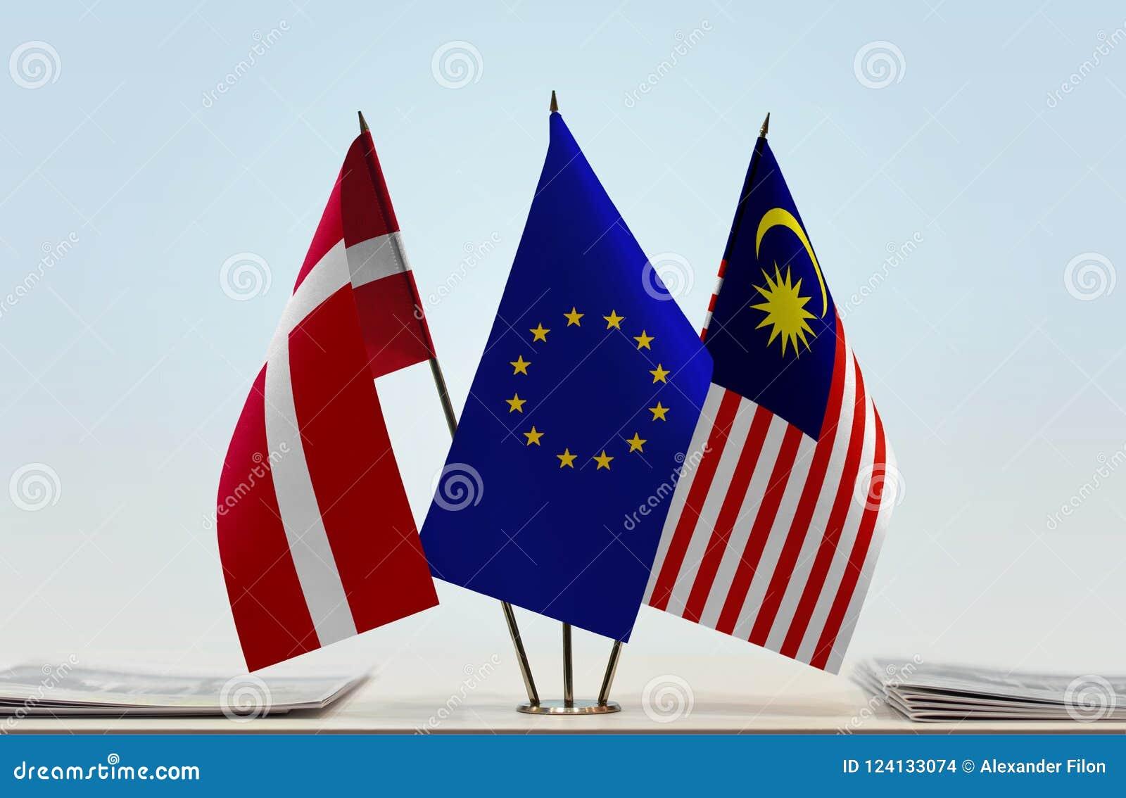 Flaggor av Danmark EU och Malaysia
