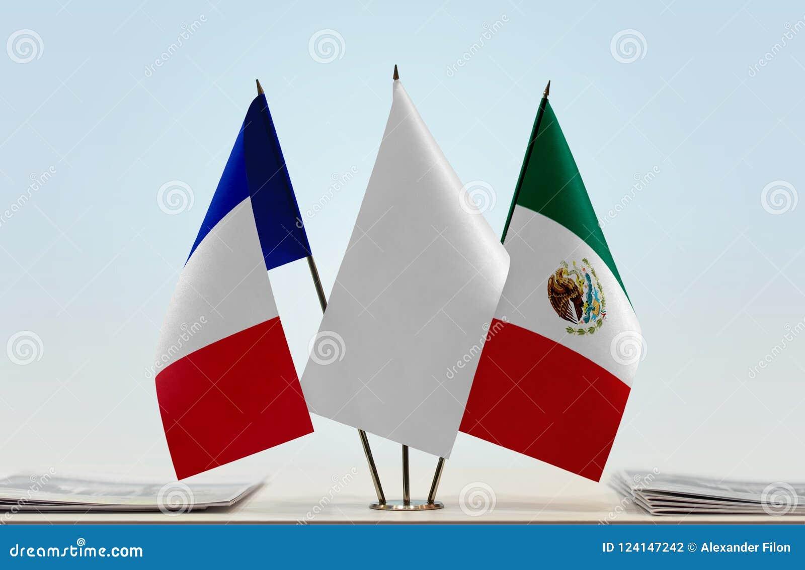 Flaggor av Frankrike och Mexico