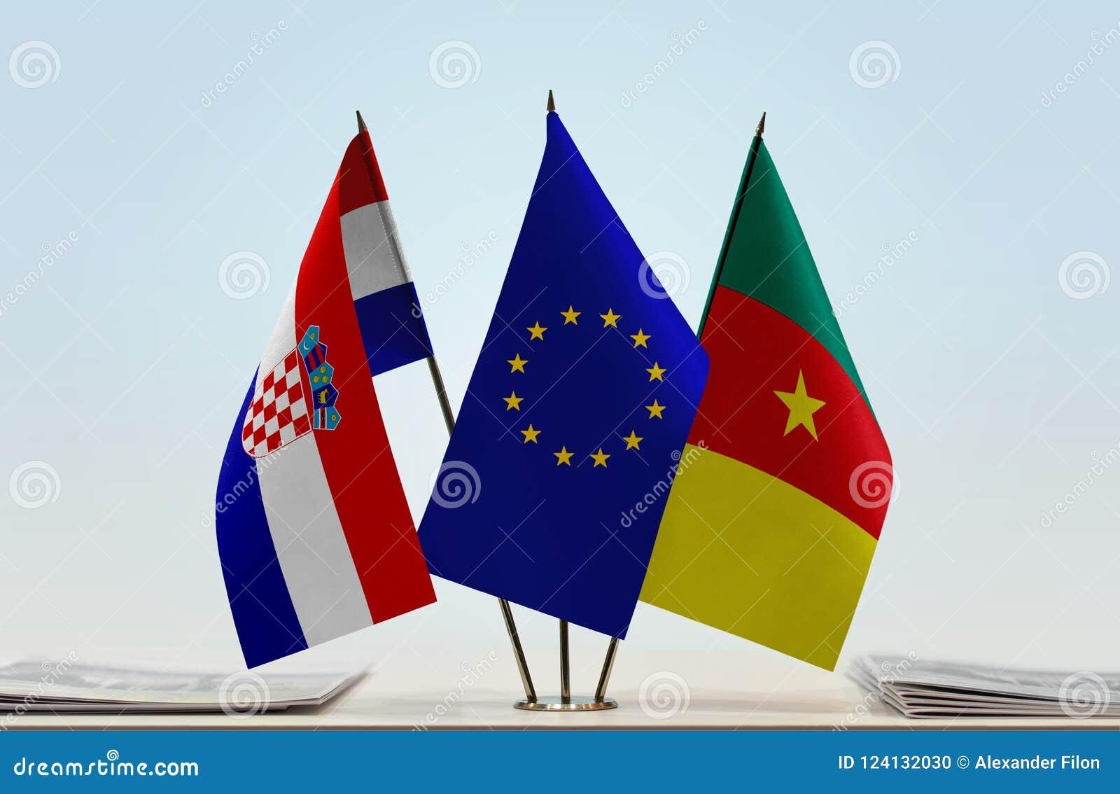 Flaggor av KroatienEU och Kamerun