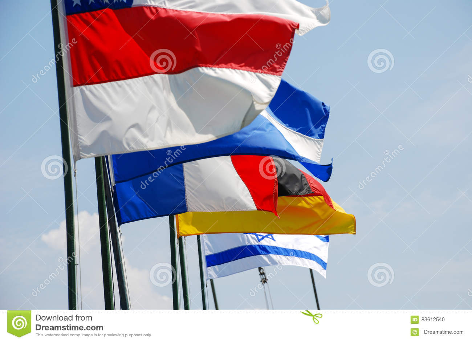 Flaggor spolar överst